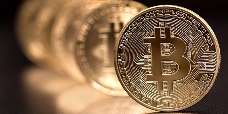 Πτώση κατά 10% στην ισοτιμία του Bitcoin