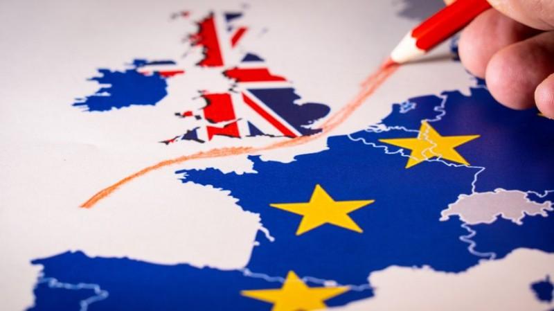 Βρετανία - Σιγκαπούρη: Ξεκινούν συνομιλίες για συμφωνία ψηφιακού εμπορίου