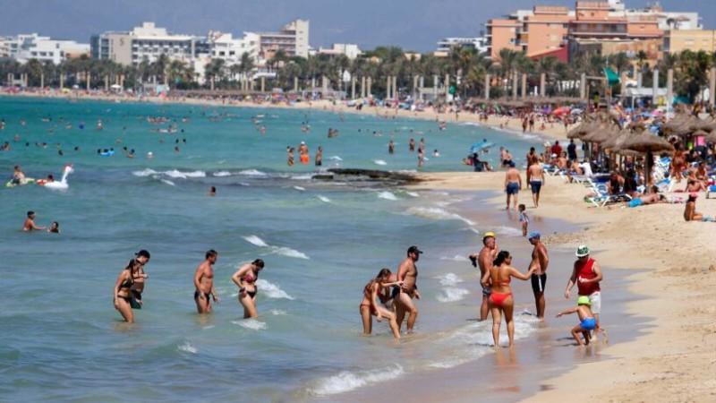 «Φρένο» από Ισπανία-Πορτογαλία στους Βρετανούς τουρίστες