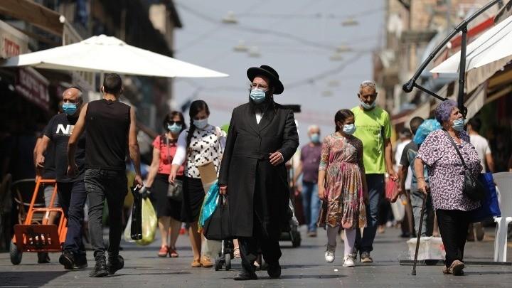 Ισραήλ: Ξαναφορούν τις μάσκες στους κλειστούς χώρους
