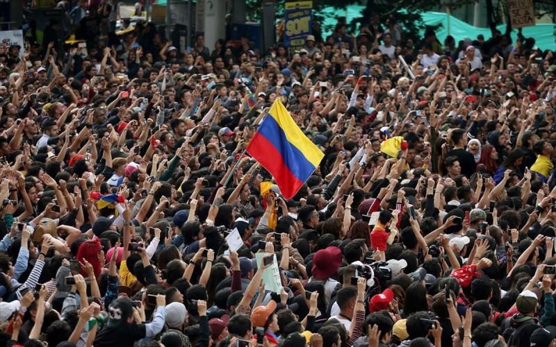 Κολομβία: Νέες διαδηλώσεις κατά της πολιτικής του προέδρου Ντούκε