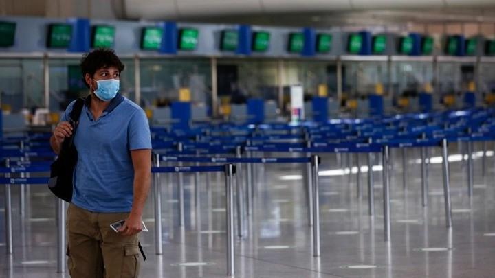 Οι ΗΠΑ αναθεωρούν προς τα πάνω την ταξιδιωτική οδηγία για την Ελλάδα