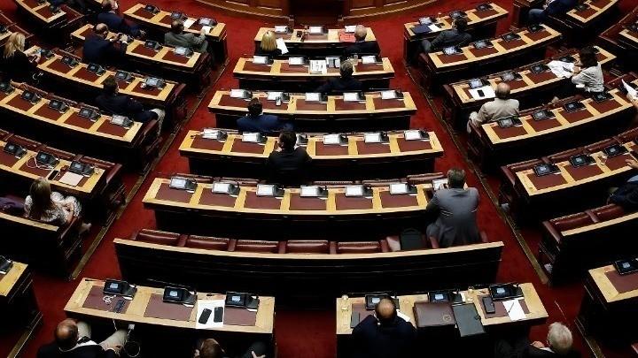 Στην Ολομέλεια το νομοσχέδιο του υπουργείου Εργασίας