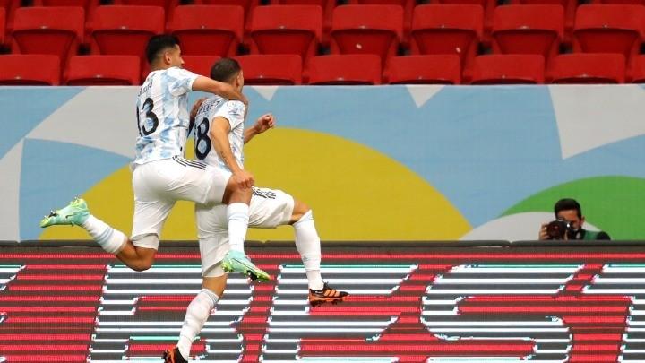H Αργεντινή στην κορυφή, νίκησε 1-0 την Ουρουγουάη