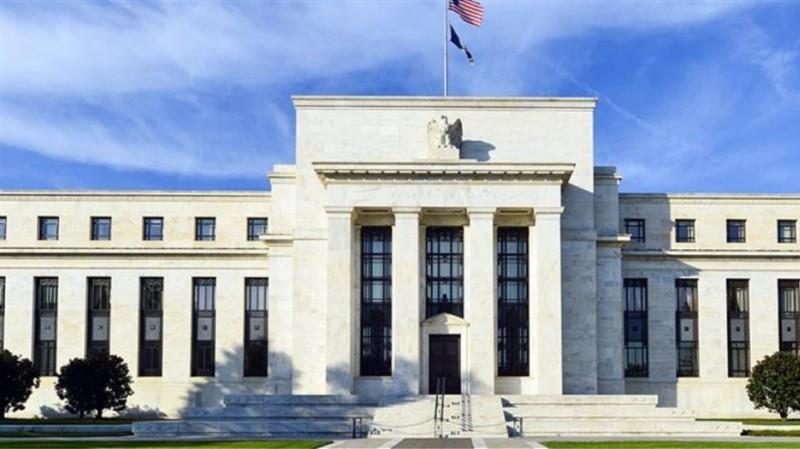 Fed: Αμετάβλητη προς το παρόν η πολιτική επιτοκίων και αγοράς ομολόγων