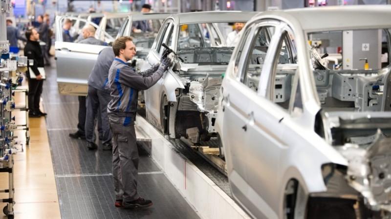 Βρετανία: Η παραγωγή αυτοκινήτων αυξήθηκε περίπου κατά 1/3 στο α' εξάμηνο 2021