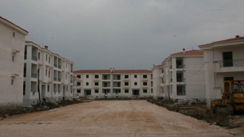 Παραδίδονται 20 νέες κατοικίες του ΟΑΕΔ στην Ελευσίνα