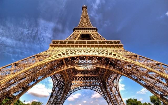 Ανοίγει ο πύργος του Αϊφελ μετά από 9 μήνες