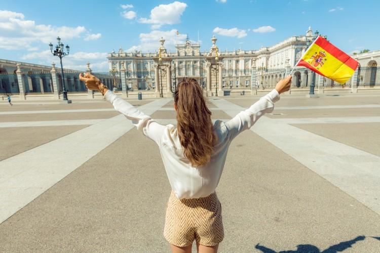 Ισπανία: Η ανεργία μειώθηκε στο 15,3% το β' τρίμηνο