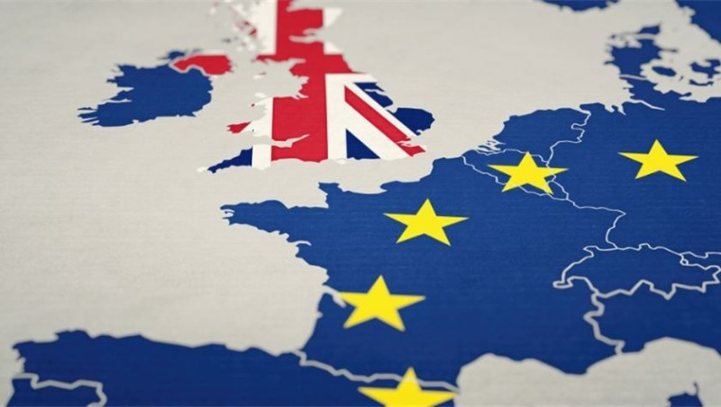 Η Βρετανία ζητά νέα συμφωνία για το εμπόριο στη Β. Ιρλανδία