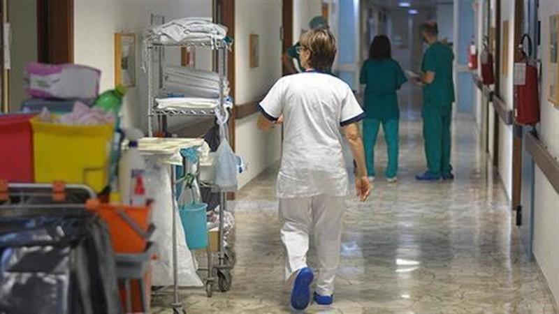 Υπ. Υγείας: Σε αναστολή από 1η Σεπτεμβρίου οι ανεμβολίαστοι υγειονομικοί