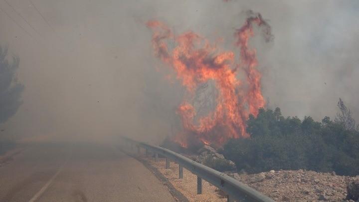 Εφιάλτης! 4η ημέρα η πυρκαγιά στα Βίλια
