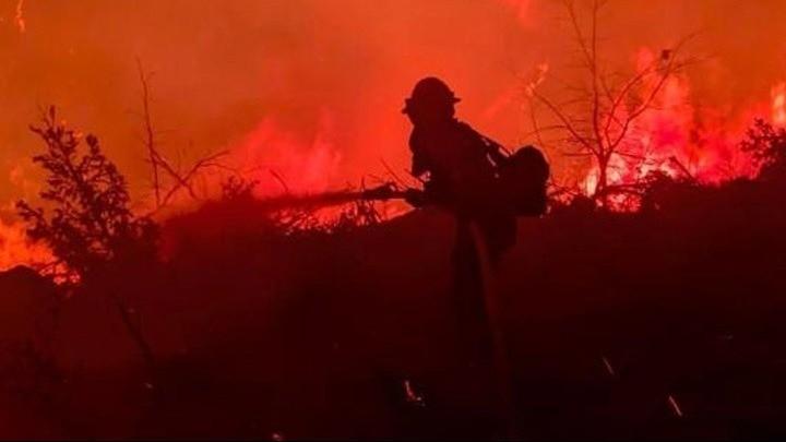 ΗΠΑ: Στο έλεος καταστροφικών πυρκαγιών η Καλιφόρνια