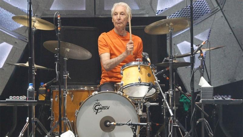 Απεβίωσε ο Charlie Watts, o εμβληματικός ντράμερ των Rolling Stones