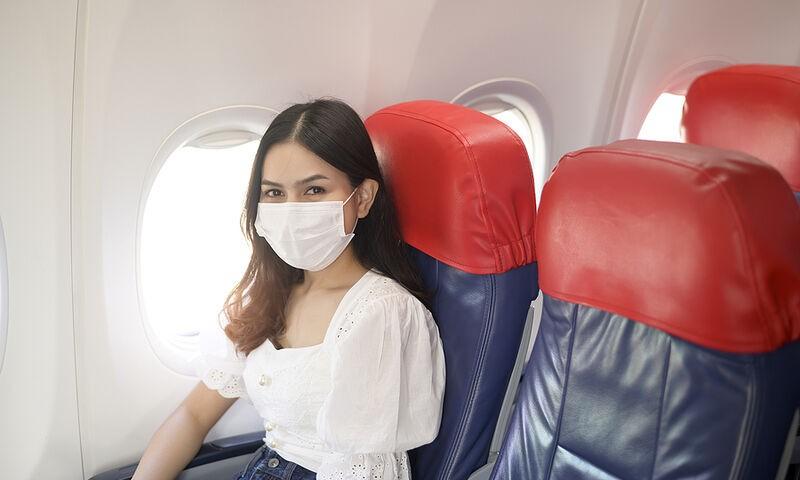 Υποχρεωτικό τεστ στην άφιξη για ανεμβολίαστους ταξιδιώτες από 16 χώρες