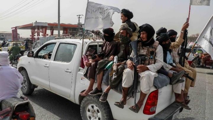 Δυνάμεις πιστές στον πρώην αντιπρόεδρο μάχονται τους Ταλιμπάν
