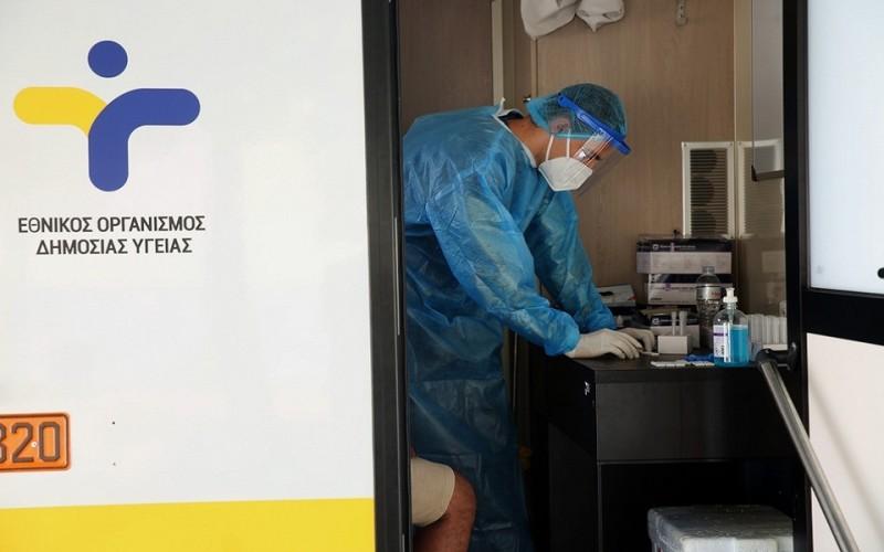 ΕΟΔΥ: Στα 3.428 τα νέα κρούσματα και 14 θάνατοι