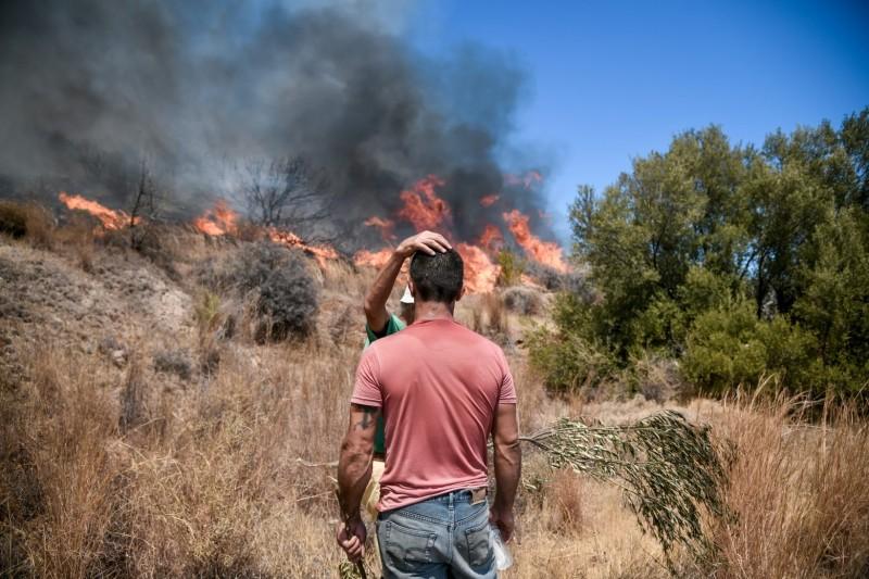 Χρυσοχοϊδης: Η πυρκαγιά στην Δυτική Αττική έχει, πλέον, οριοθετηθεί