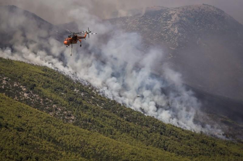 Καλύτερη η κατάσταση στην πυρκαγιά στα Βίλια