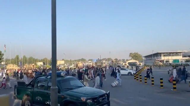 Επίκειται τρομοκρατικό χτύπημα στο αεροδρόμιο της Καμπούλ