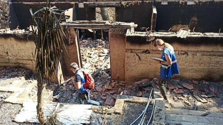 Συνεχίζονται οι έλεγχοι κτιρίων σε πυρόπληκτες περιοχές