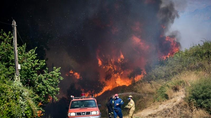 Στο «κόκκινο» για δασικές πυρκαγιές όλη η χώρα