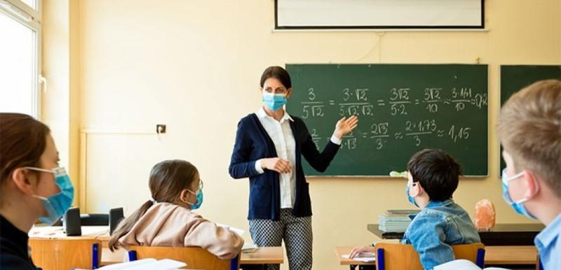 Υπουργείο Παιδείας: Τα ισχύοντα μέτρα για τους ανεμβολίαστους εκπαιδευτικούς