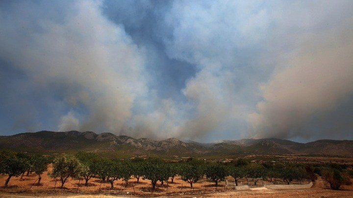 Οριοθετημένη στο μεγαλύτερος μέρος της η φωτιά στα Βίλια
