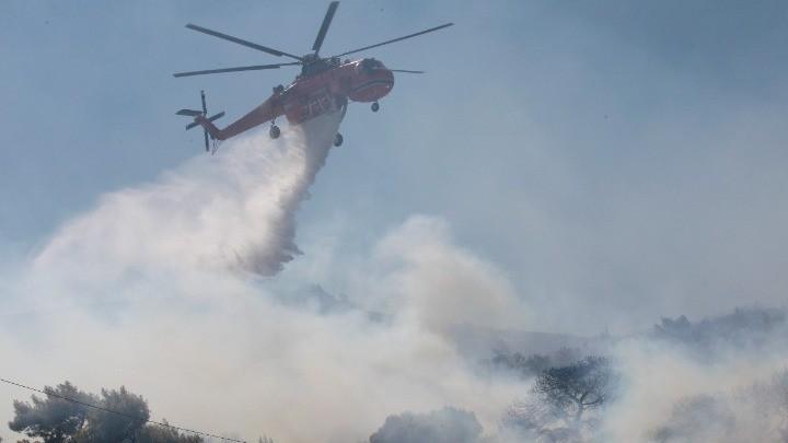 Οριοθετήθηκε, σύμφωνα με την Πυροσβεστική, η πυρκαγιά στην Κάρυστο