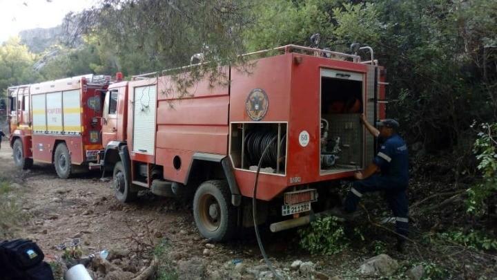 Σε ύφεση η πυρκαγιά στην περιοχή Κάζα στα Βίλια