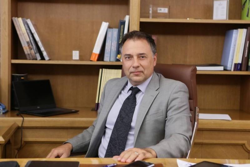 Θεόδωρος Πελαγίδης: Πιθανές επιπτώσεις στην ανάπτυξη από τις ανατιμήσεις